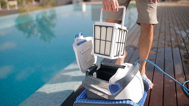 bazénový vysávač Dolphin S200